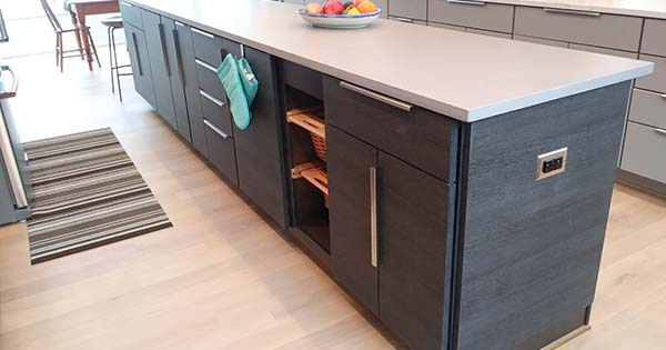 Kitchen cabinets and island Von Tobel